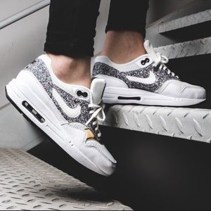 Nike Air Max White Gold Speckled Tennis Shoes